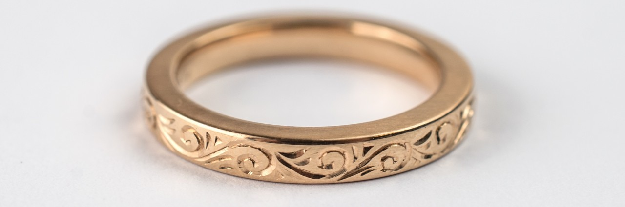 Hand and Engraved Wedding Ring in Rose Gold